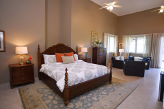 King Guest Suite - Maria's Side
